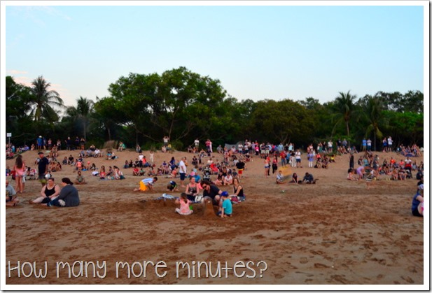 Mindil Beach Sunset Market | How Many More Minutes?