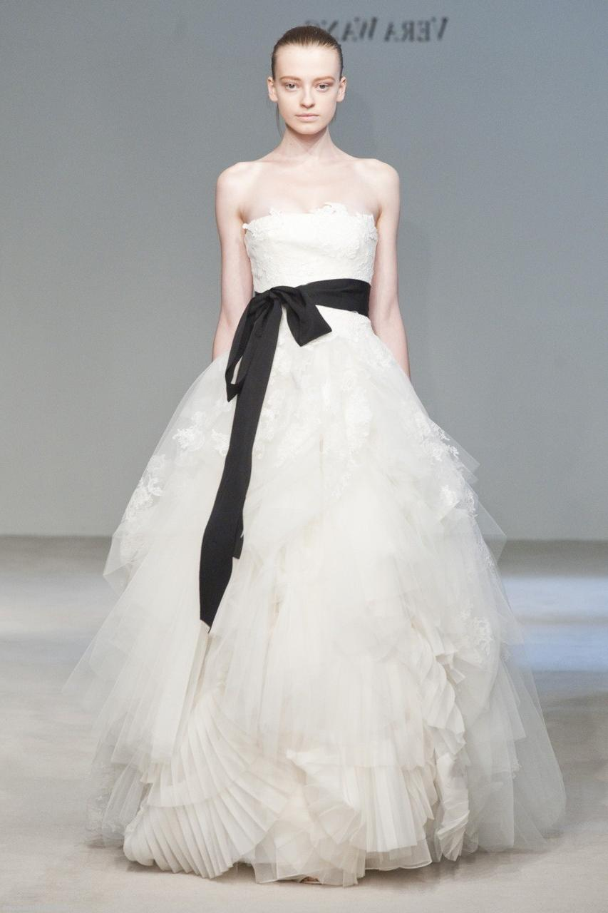 Vera-Wang-Fall-2010-Wedding-