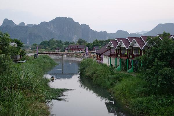 Ванг Вьенг на рассвете.