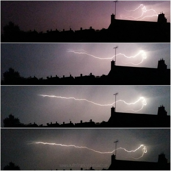 Bolt-of-lightning-spreading-across-the-sky