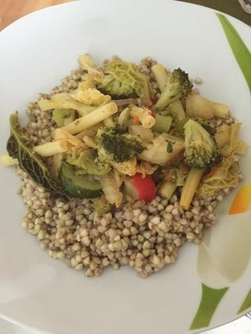 Buchweizenpfanne mit Gemüse