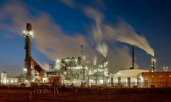 Competitie industrie landschap Ronald van Eenige.jpg