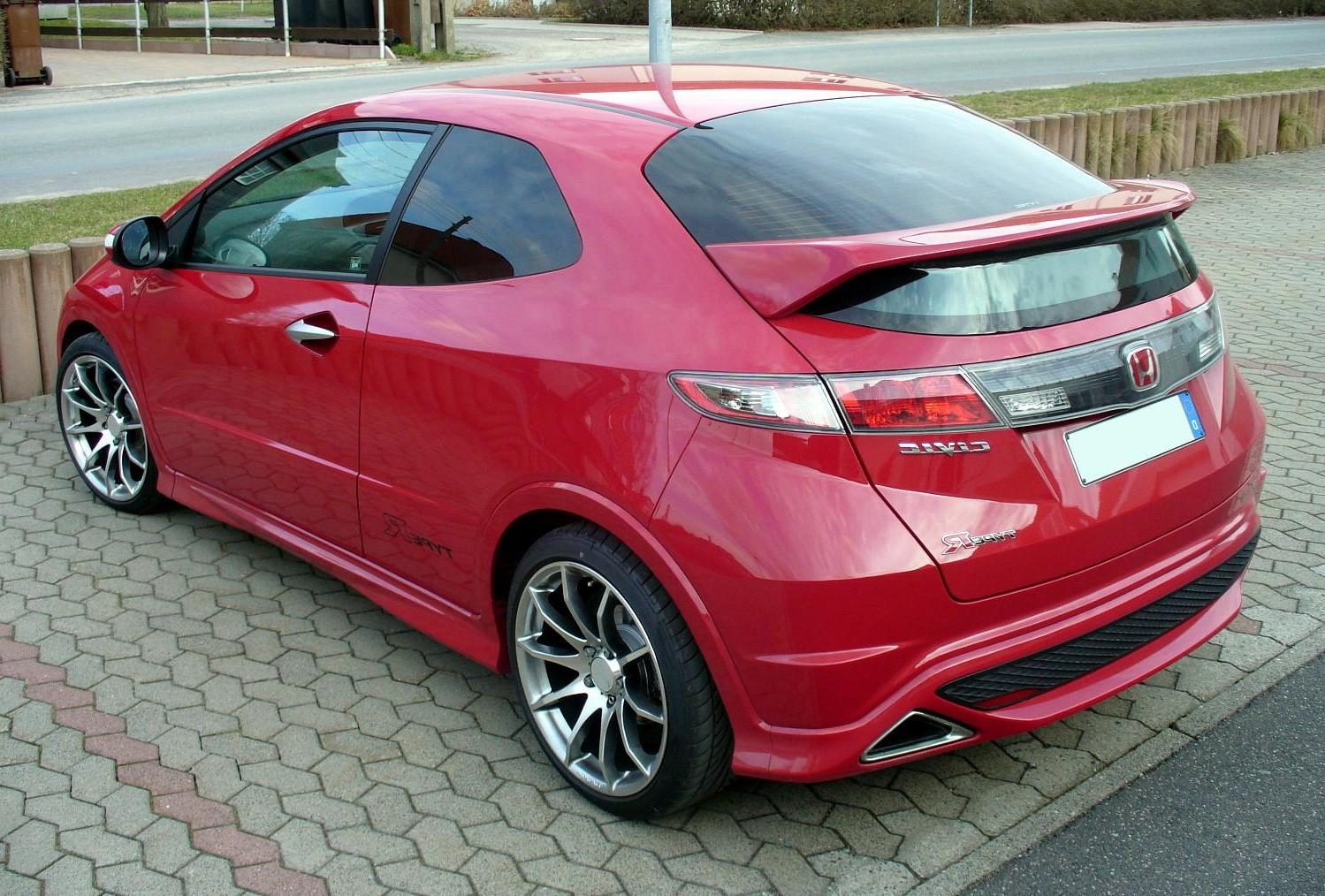 Honda Civic Type R. The EDM