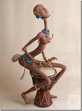 Muñecas de Nadezhda Sokolova Djembe  (4)