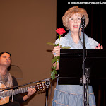 Lectura poética de Carmen Carrasco acompañada de Patxi Moreno a la guitarra.