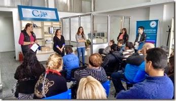 Un equipo del Ministerio de Salud de la Nación encabezó un taller sobre cuidados de la salud, destinado a integrantes de cooperativas locales de trabajo.