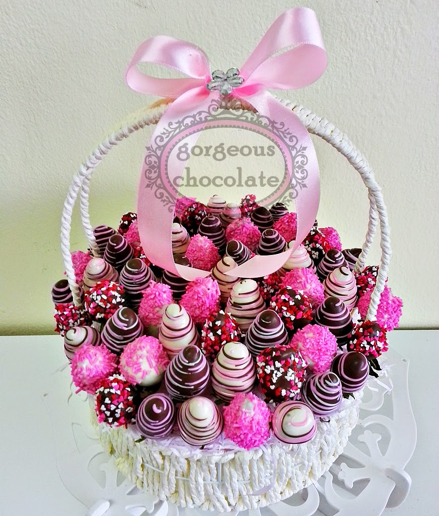 My Gorgeous Homemade Chocolate: Strawberry Chocolate in Basket