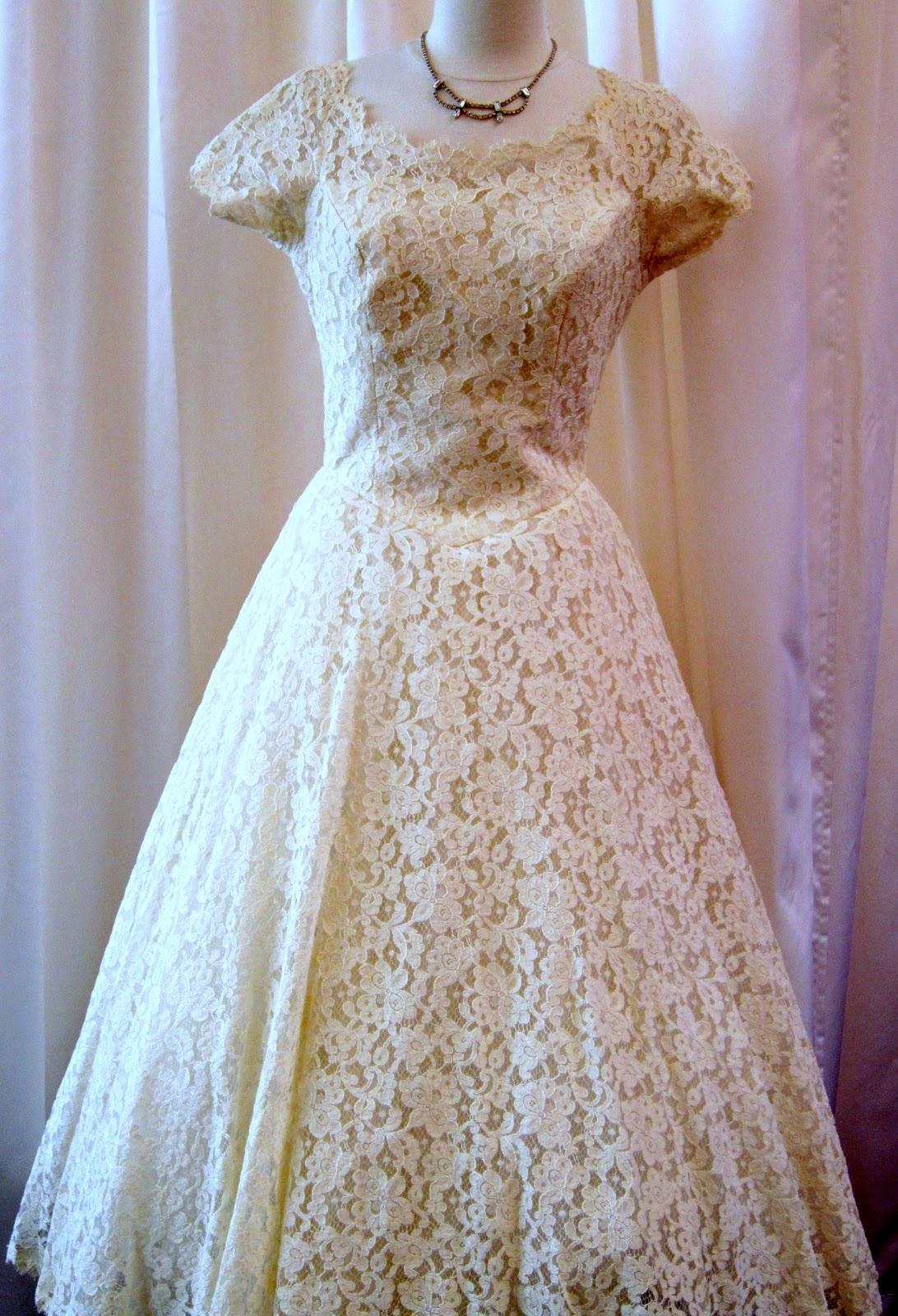 1950s Ivory Lace Wedding Prom