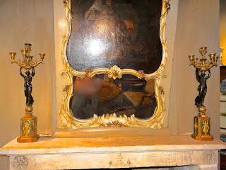 Два антикварных подсвечника в стиле АМПИР. ок.1800 г. Бронза, золочение, патина. Высота 75 см. 18000 евро.
