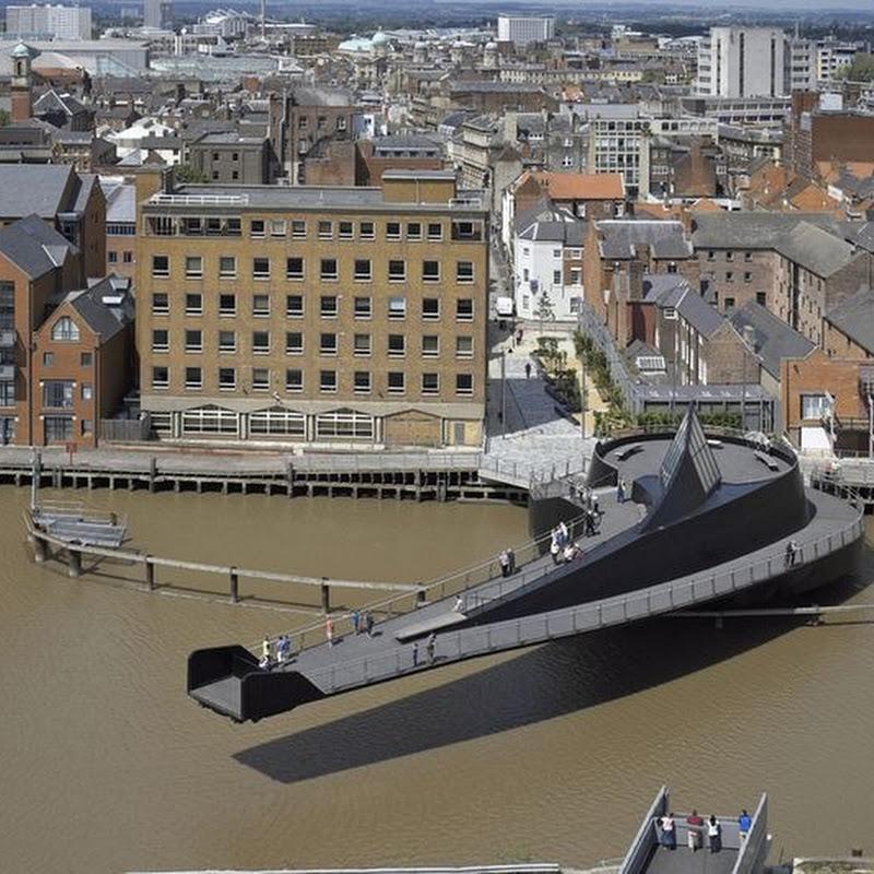 The Scale Lane Bridge in Hull