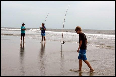 04i - beach - Guys were fishing