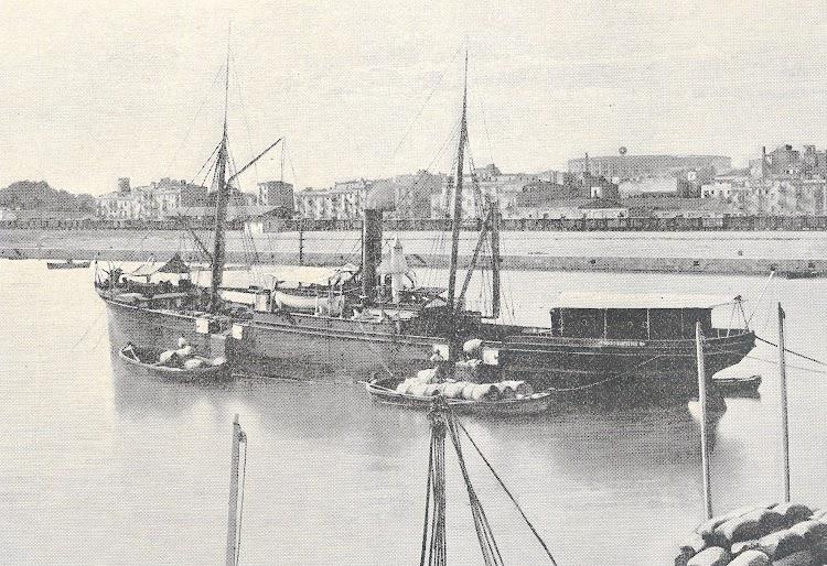 Vapor MARIA, en estado original, en el puerto de Tarragona. Año indeterminado. Colección Jaume Cifre Sanchez. Nuestro agradecimiento.jpg