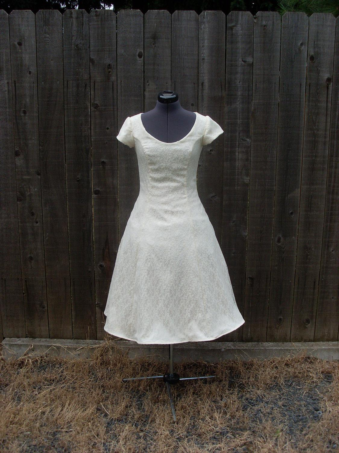 1950s Lace Wedding Gown Simple