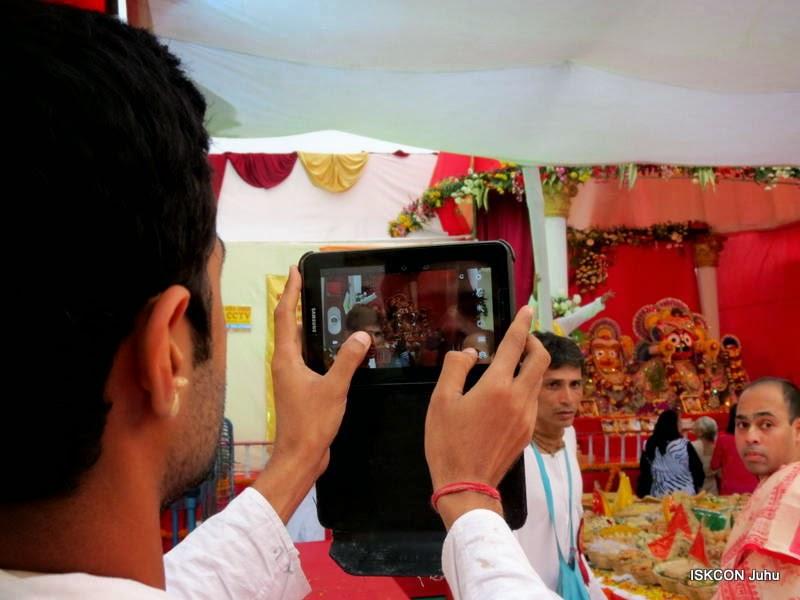 iskcon juhu rath yatra 2015 (12)