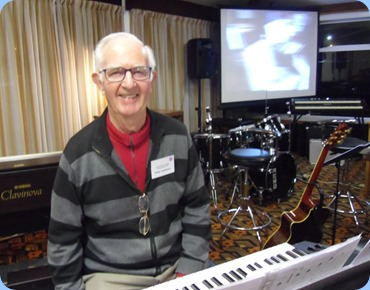 Peter Jackson brought his Yamaha PSR-S950 and played, cracked some jokes and sang - 'Mr Versatile'. Photo courtesy of Laurie Conder.