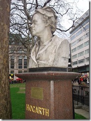 450px-Hogarth_bust_(Leicester_Square)