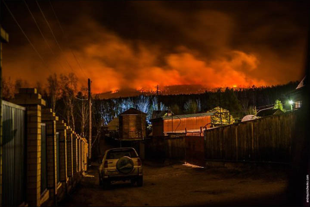 Wildfire rages through a forest in the Trans-Baikal region of Siberia, 16 April 2015. Photo: The Siberian Times