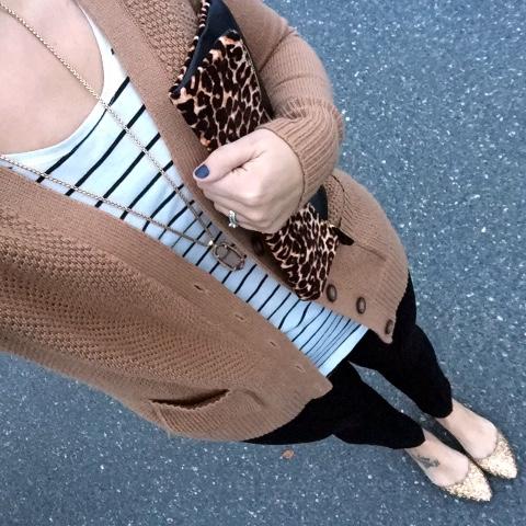 how to mix patterns, leopard clutch, kendra scott, glitter flats