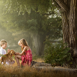 Children in the wood by Dmitriy Usanin - Babies & Children Children Candids ( child, summer, children, chilghood )