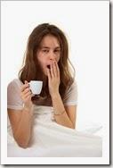 yawn-woman-in-bed
