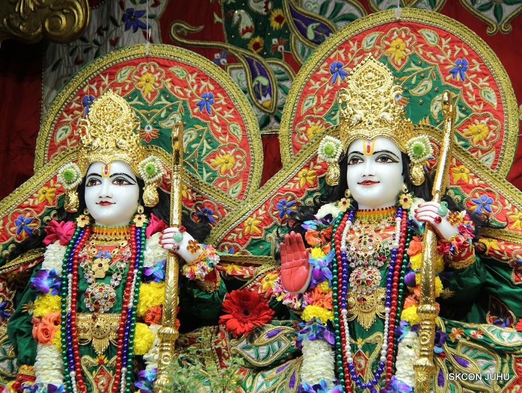 ISKCON Juhu Sringar Deity Darshan 09 Feb 16 (21)