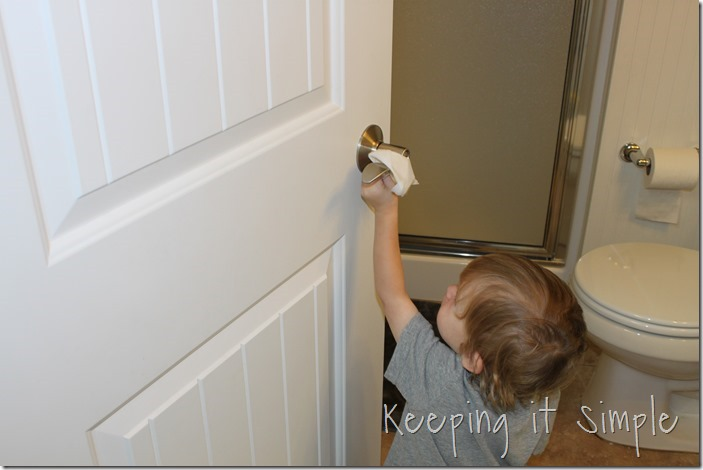 #ad Chores-That-Toddlers-Can-Do #BacktoClean (6)