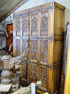 Готический шкаф ок.1800 г. 5000 евро.