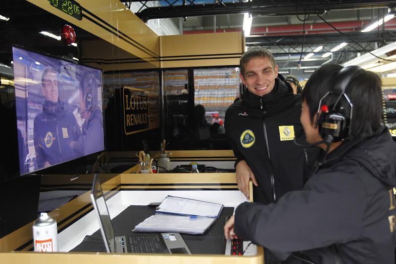 Виталий Петров и Аяо Комацу на Гран-при Кореи 2011