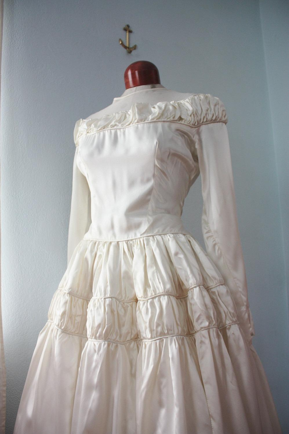Breath Away - 40s 50s satin and nylon wedding gown ruched drop waist M