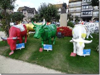 2015.09.09-019 Art Béko, la vache dans la ville et libres comme l'air