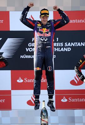 прыжок Себастьяна Феттеля на подиуме Гран-при Германии 2013