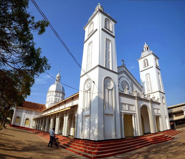 Католическая церковь, костел
