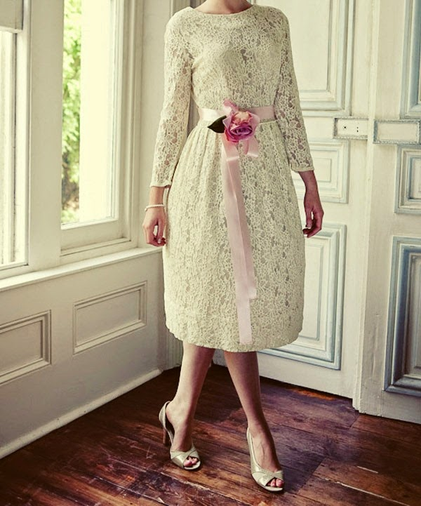 [Vintage-Lace-Tea-Length-Wedding-Dress-With-Long-Sleeves%255B6%255D.jpg]