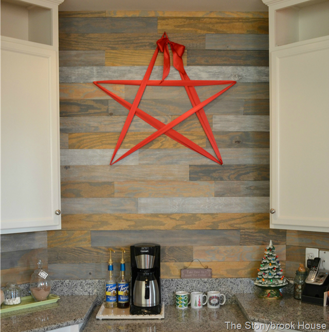 DIY Christmas Plank Wall