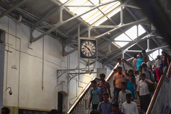 Часы на вокзале Коломбо Форт, Шри Ланка