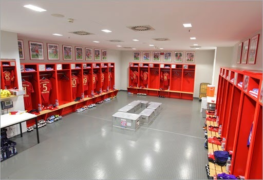 allianz-arena-interior-changing-room (1)