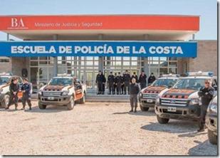 El intendente visitó a futuros cadetes de la Policía de La Costa - copia