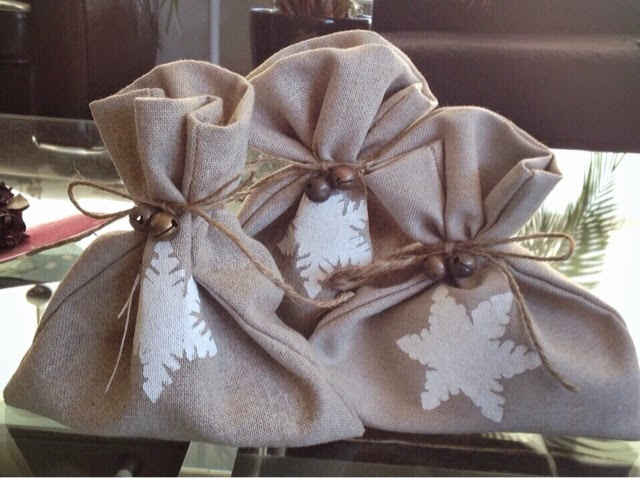 Marvaeta diy bolsas de tela de saco de navidad - Bolsitas de tela de saco ...