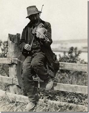 Travelling fiddler