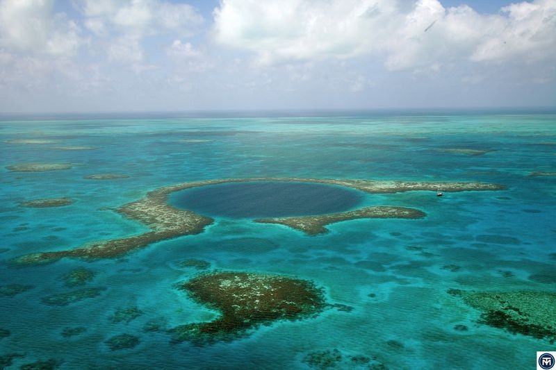 great-blue-hole-belize-2