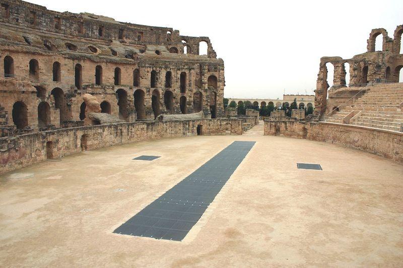 amphitheatre-of-el-jem-1