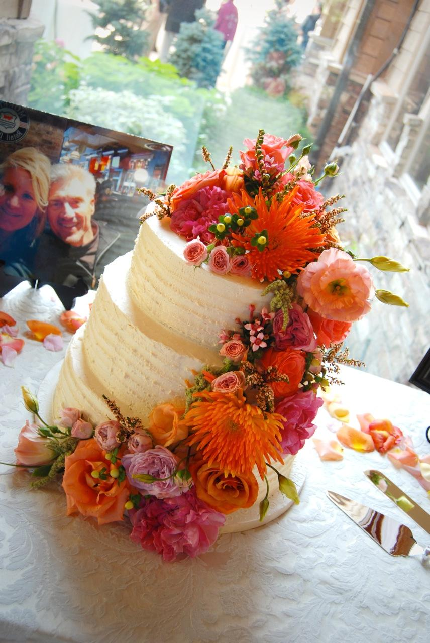 Autumn flower wedding cake