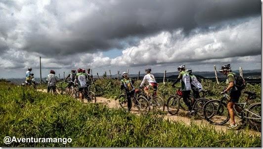 Ciclistas no AdventureTour- Bananeiras