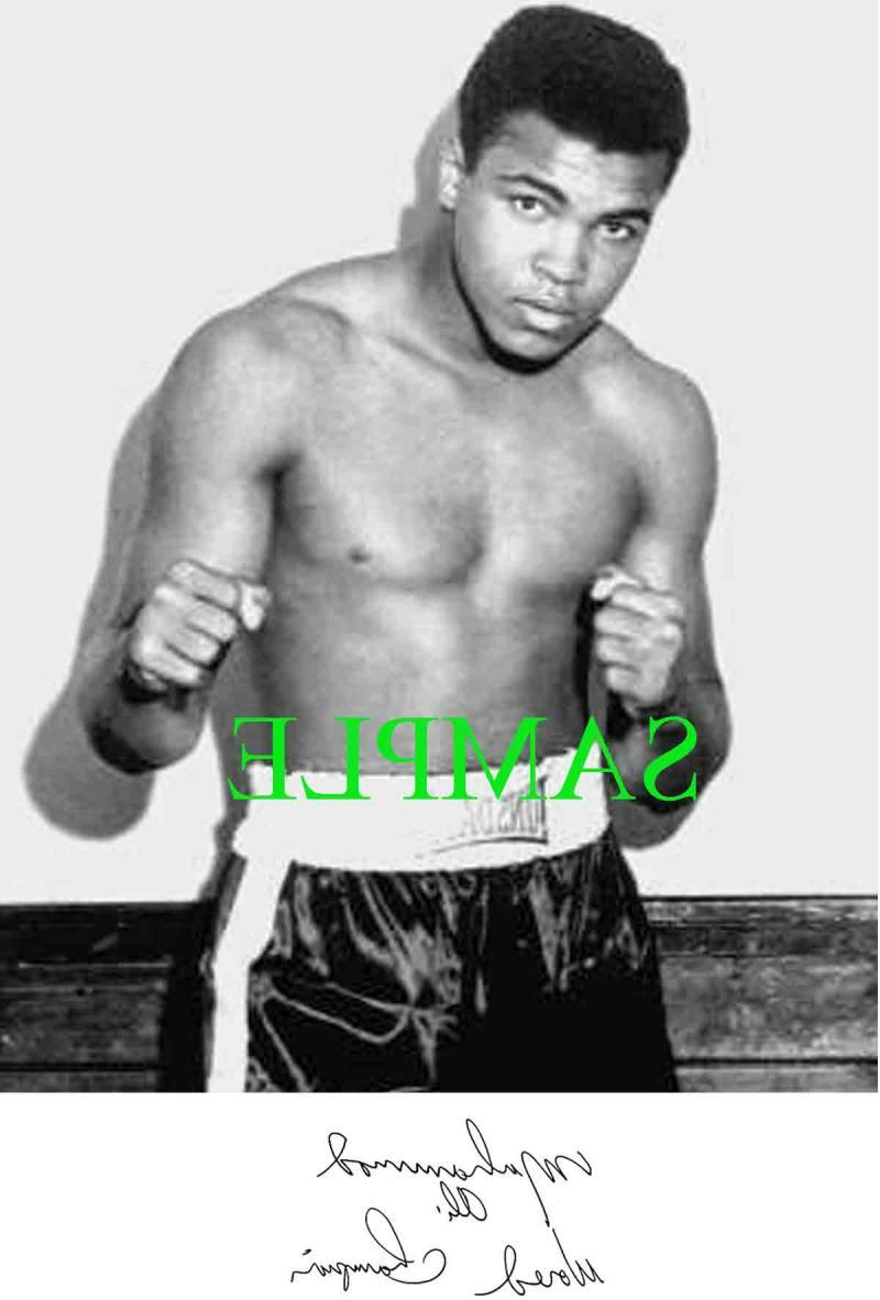 MUHAMMAD ALI  CASSIUS CLAY  PHOTO w  PRINTED SIGNATURE    Autographs-Reprints