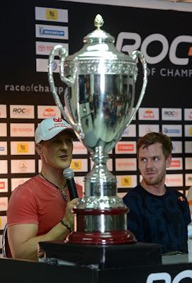 Михаэль Шумахер и Себастьян Феттель на пресс-конференции Гонки чемпионов 2012