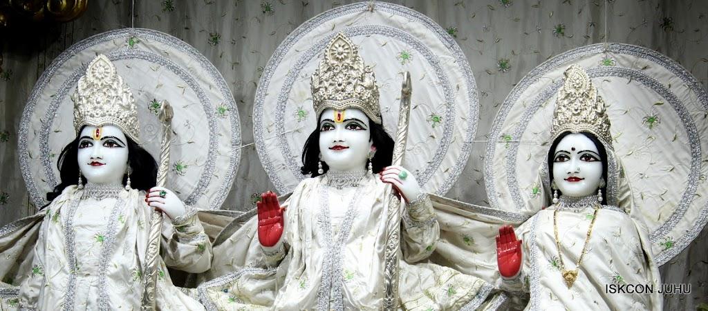 ISKCON Juhu Mangal Deity Darshan 21 Jan 16 (3)