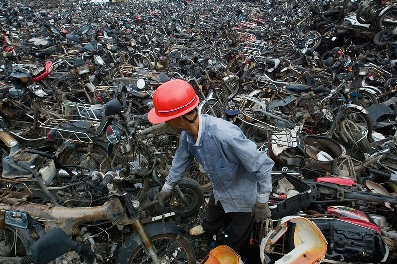 china-pollution-car-scrapyard-2