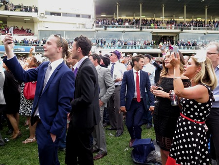 cox plate_crowd 2
