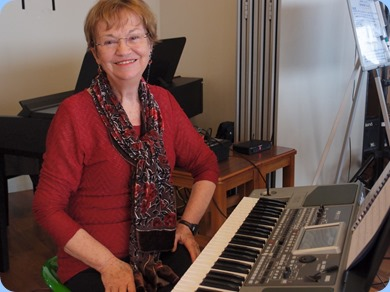 The Club's Events Manager, Diane Lyons, playing her Korg Pa900. Photo courtesy of Dennis Lyons.