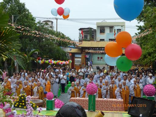 Hình ảnh: Đại Lễ Phật Đản và Đêm Hoa Đăng – Văn Nghệ Cúng Dường PL.2559 – DL:2015